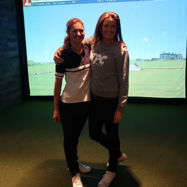 photo lors d'une soirée entre amis avec partie de golf