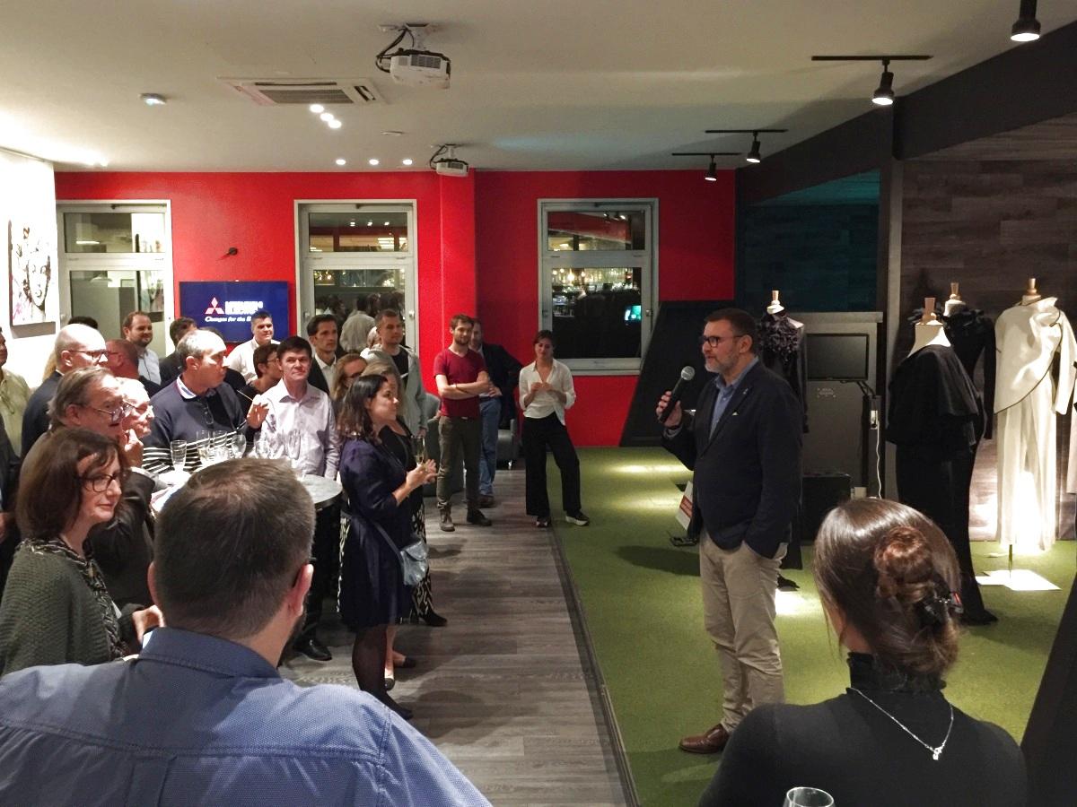 Evénementiel soirée séminaire Mitsubishi avec animation golf à Paris
