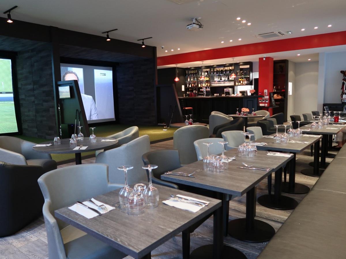Restaurant bar au golf indoor de Paris - y inviter ses clients