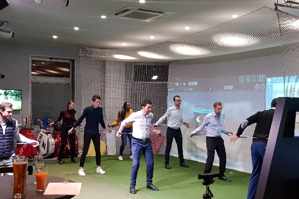 team-building-animation-golf